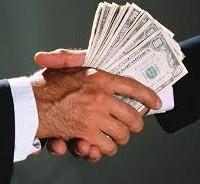 """Экс-министр финансов рассказал как фискалы """"не замечают"""" зарплаты """"в конвертах"""" депутатам"""