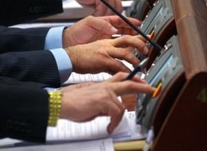 Депутаты-прогульщики мая: десять нардепов не голосовали совсем