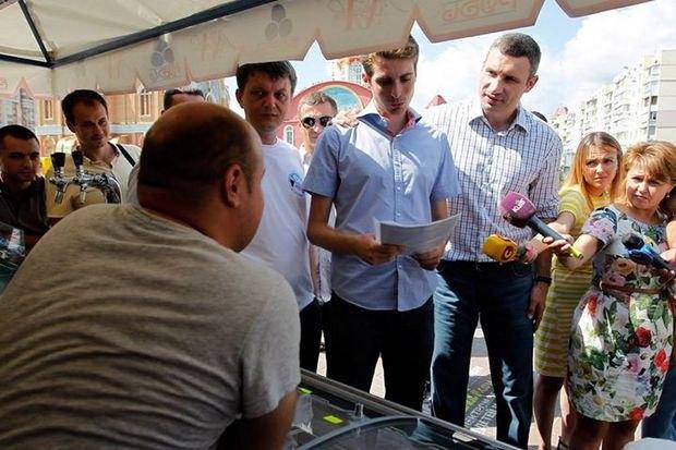 Политолог предположил, что следующего из окружения Кличко будут «трясти» Белоцерковца