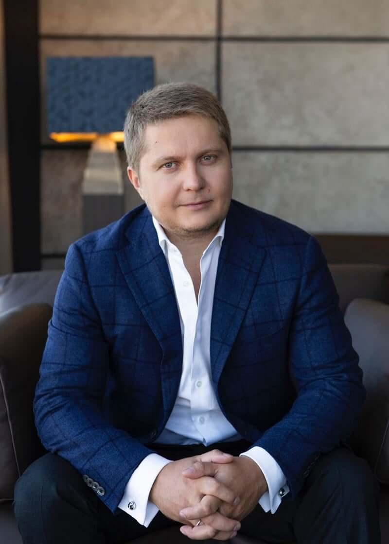 Конвертатор Костянтин Круглов працює під крилом одіозного Андрія Гмиріна