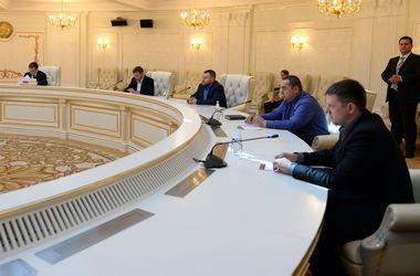Переговоры в Минске между Украиной, ДНР и ЛНР