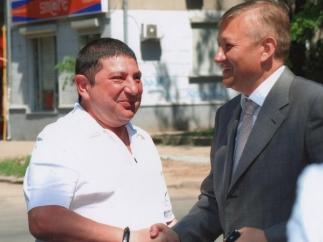Вадим Вишневский (слева) и глава облсовета Сергей Чернов