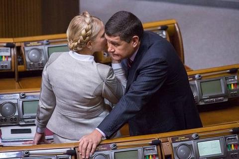 В обновленной Верховной Раде — все те же. Александр Онищенко (Кадыров) и Юлия Тимошенко. Фото: Влад Содель
