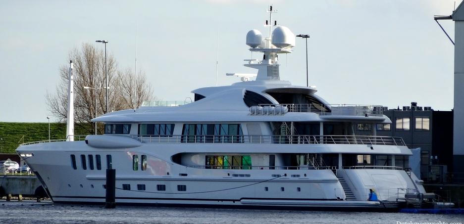 Судно Superyacht Z с именем Z (первая буква в латинском написании фамилии – Zhevago, с фото и подробным описанием яхты миллиардера можно ознакомиться по ссылке https://www.superyachtfan.com/superyacht_z.html) – это яхта лимитированной серии длиной 65 м, разработанная по специальному дизайну. Стоимость 75 миллионов евро