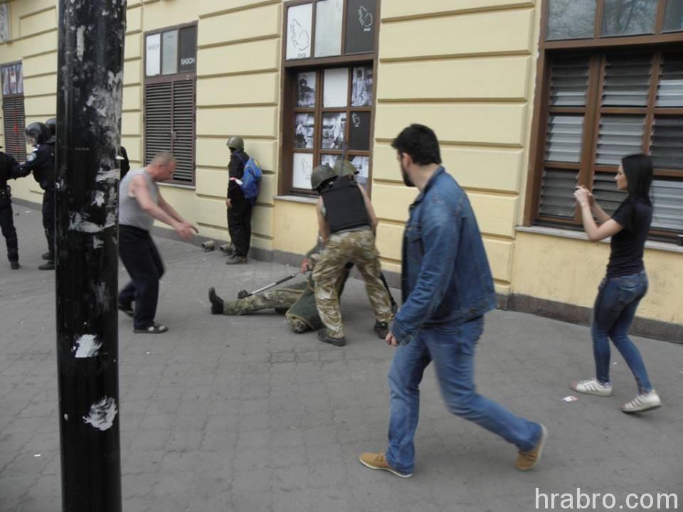 Игорь Димитриев (в джинсовом костюме) и Валерия Ивашкина