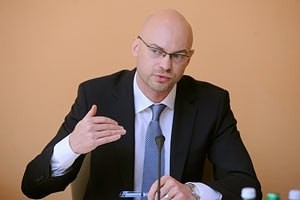 Андрей Лобач