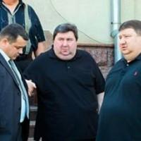 """Иван Аврамов, он же """"Иван Иванович"""" (в центре) и его окружение"""