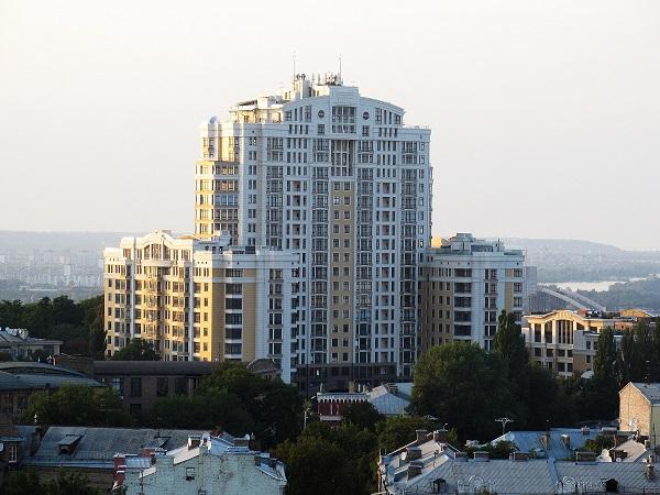 Скандальный жилой комплекс на Грушевского 9а