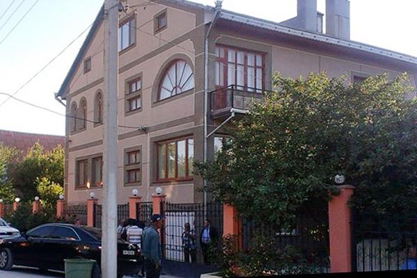 дом Мустафы Джемилева в Бахчисарае