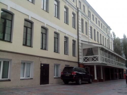 Бульвар Тараса Шевченко, 27