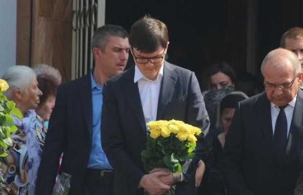 Андрей Пивоварский на похоронах Игоря Еремеева