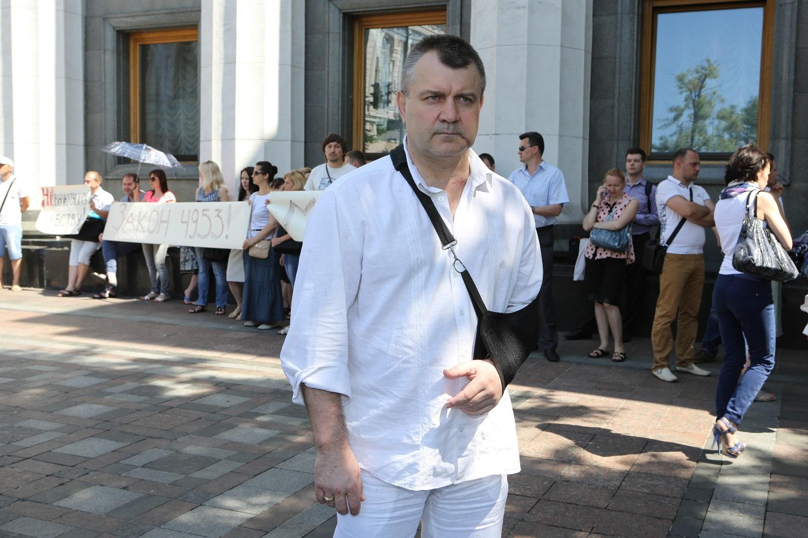 Золото может быть и черным: Адвокат Игорь Чудовский, в прошлом практиковавший в Луганске, уверен: главари республик зарабатывают на угле миллионы