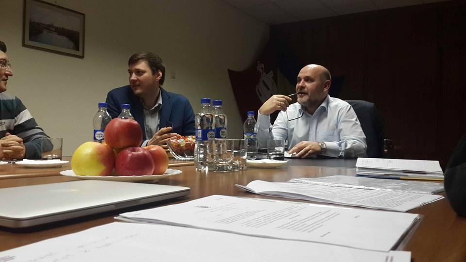 Мэр Белой Церкви Геннадий Дикий (справа) и его советник по информационным вопросам Дмитрий Федорий (в центре)