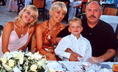 Святослав Михайлович с дочерью Татьяной, супругой Светланой Севастьяновной и сыном Святославом