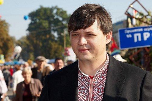 Е. Мураев на одном из фольклорных фестивалей Змиева