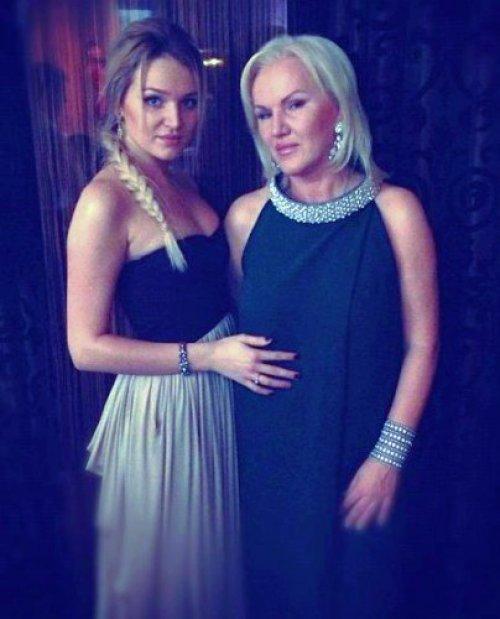 Людмила Добкина с дочкой Аллой