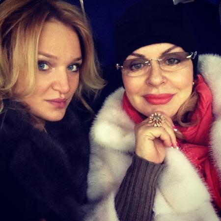 Бабушка Алла Добкина с внучкой тезкой