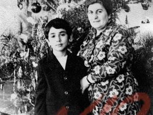 Давид Жвания с бабушкой Евгенией