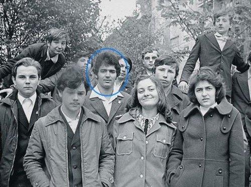 Виктор Пинчук с одноклассниками