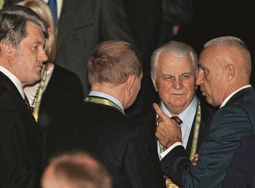 Александр Ярославский с украинскими президентами