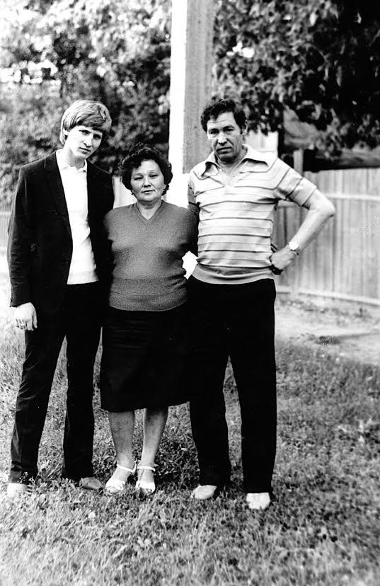 Ринат Ахметов с родителями