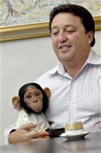 Фельдман с обезьянкой