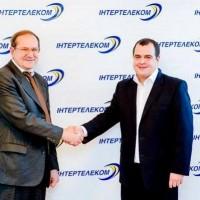 Борис Акулов приветствует миллионного абонента «Интертелекома»