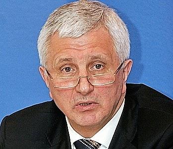 Яценюк автобиография член комсомола