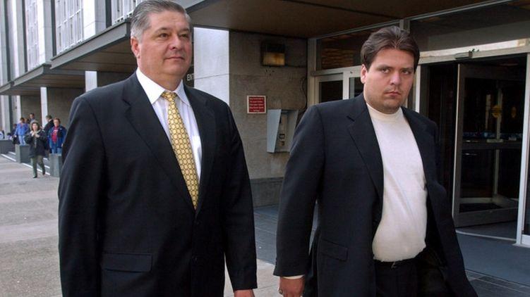 Павел Лазаренко и его сын Александр в 2004 году, источник фото: nytimes.com