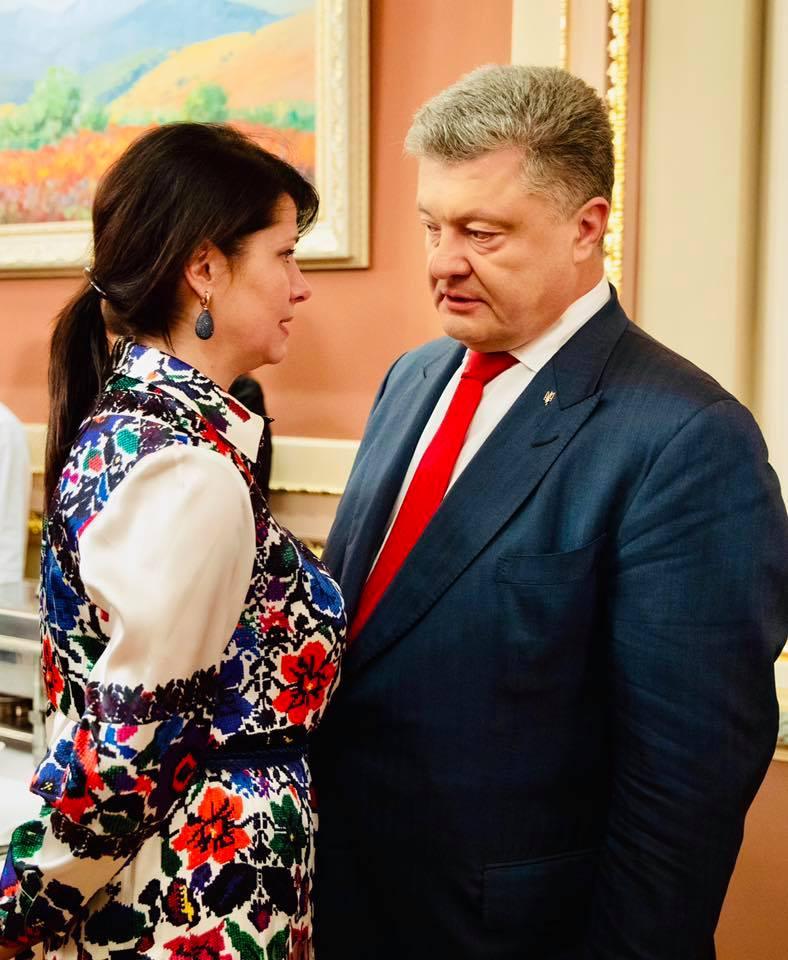Фриз Порошенко