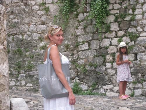 елена зеленская с дочерью Сашей