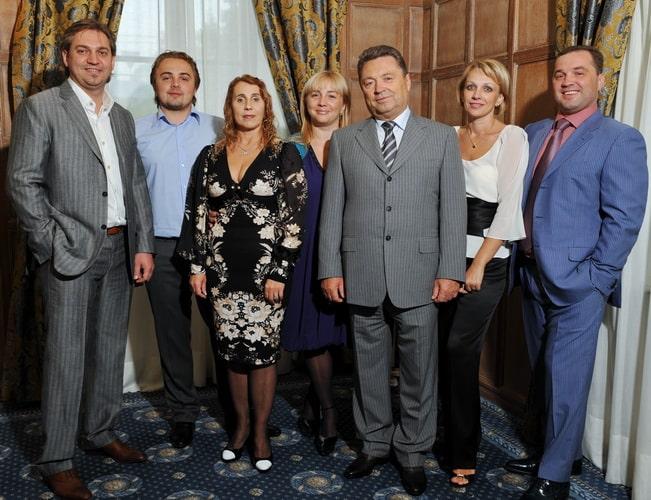 Александр Глусь и семья