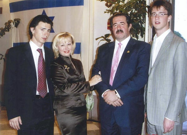 Алекс Ровт: орден украинский, паспорт американский, аммиак российский